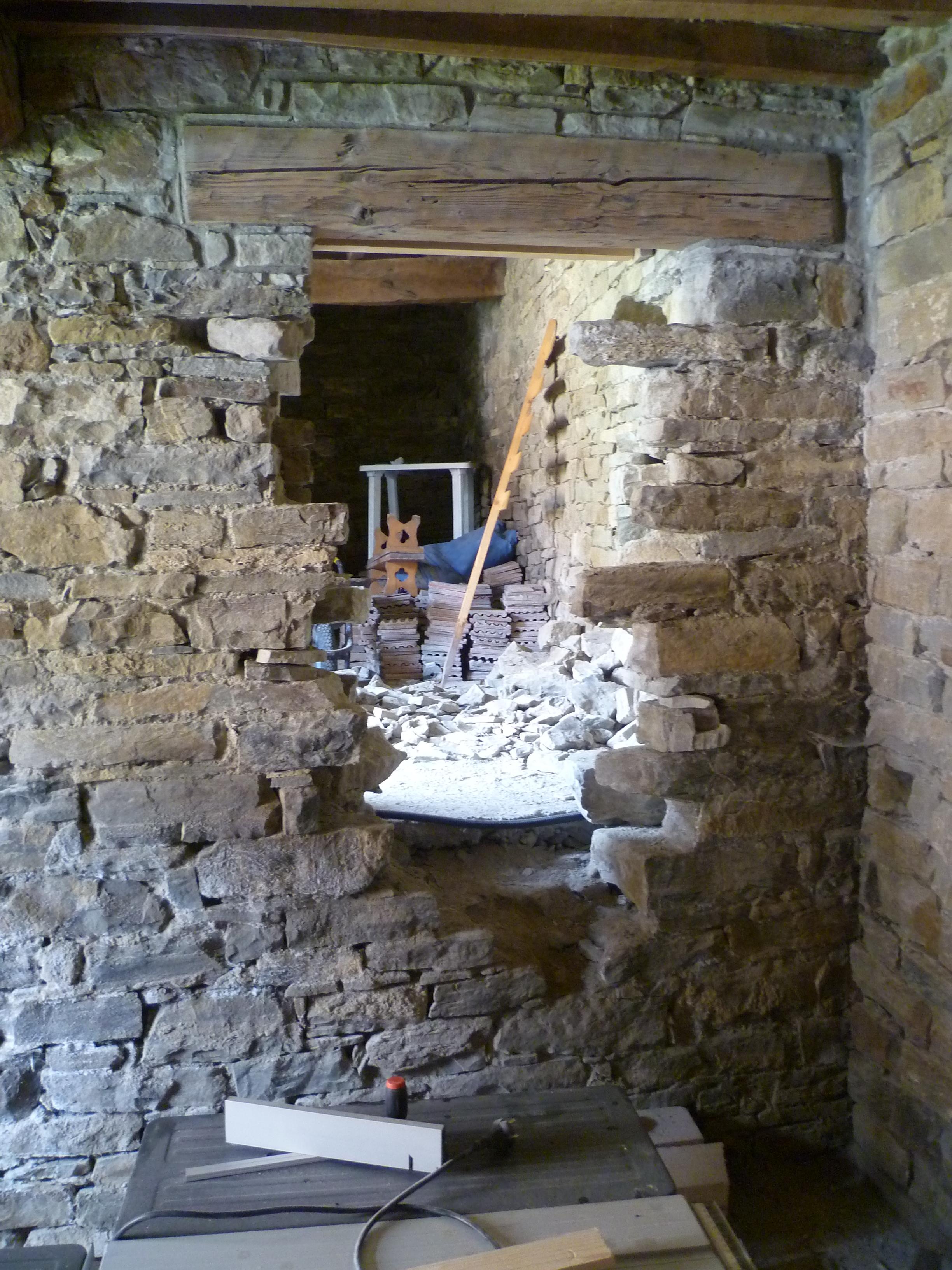 Apertura di una porta in un muro portante interno excellent le porte a scomparsa o ucinterno - Apertura porta su muro portante ...